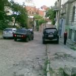 Переулок Воробьева перегружен автомобильным потомком