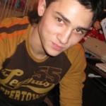 Антон, 20 лет, будущий юрист, работает представителем оператора мобильной связи