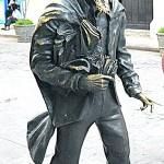 Памятник «Городскому сумасшедшему»